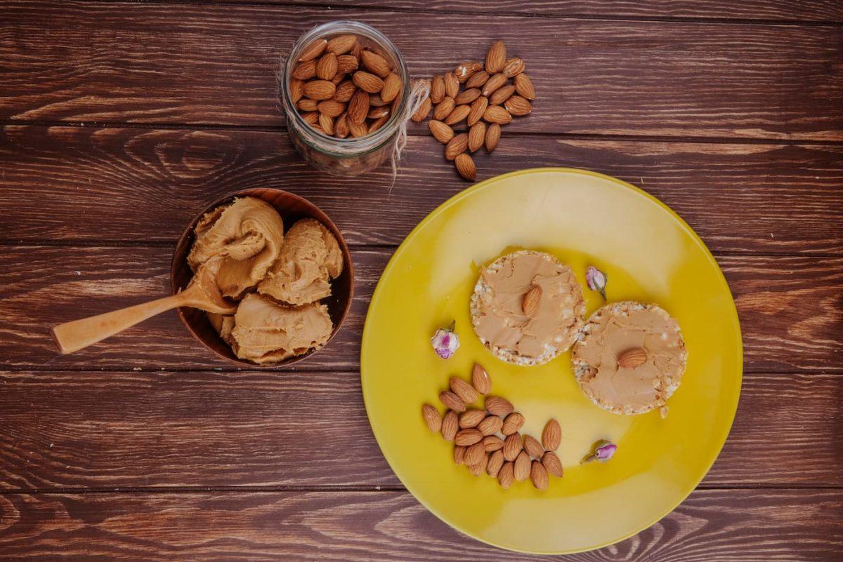 amendoins e pasta de amendoim